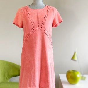 2/$25💞 Peach faux suede eyelet shift dress